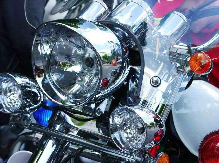摩托车前大灯LED2835贴片白光案例