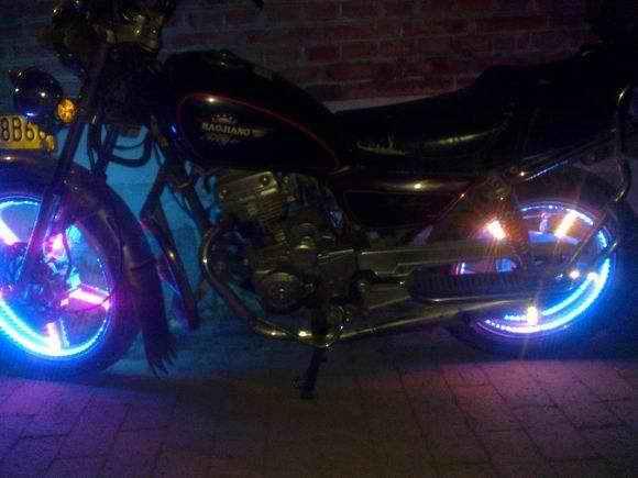 摩托车炫彩车轮LED5050贴片灯珠